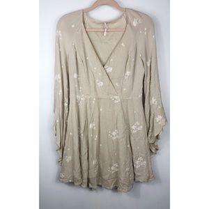 Free people embroidery stitching cream dress ✨